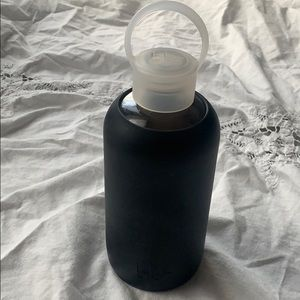 16oz Bkr Glass Drinking Bottle Jet Black